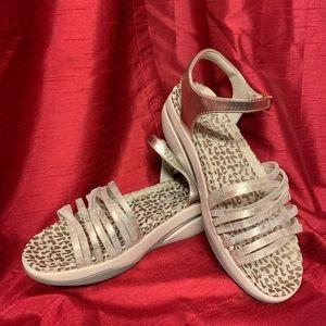 MBT Certilogo Shoe Women's 38 (UK), 7-7.5 (US)